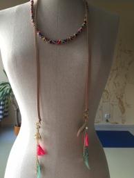 Kód 29. Délka 160 cm. Cena 400 Kč. Možné nosit jako pásek nebo náhrdelník.